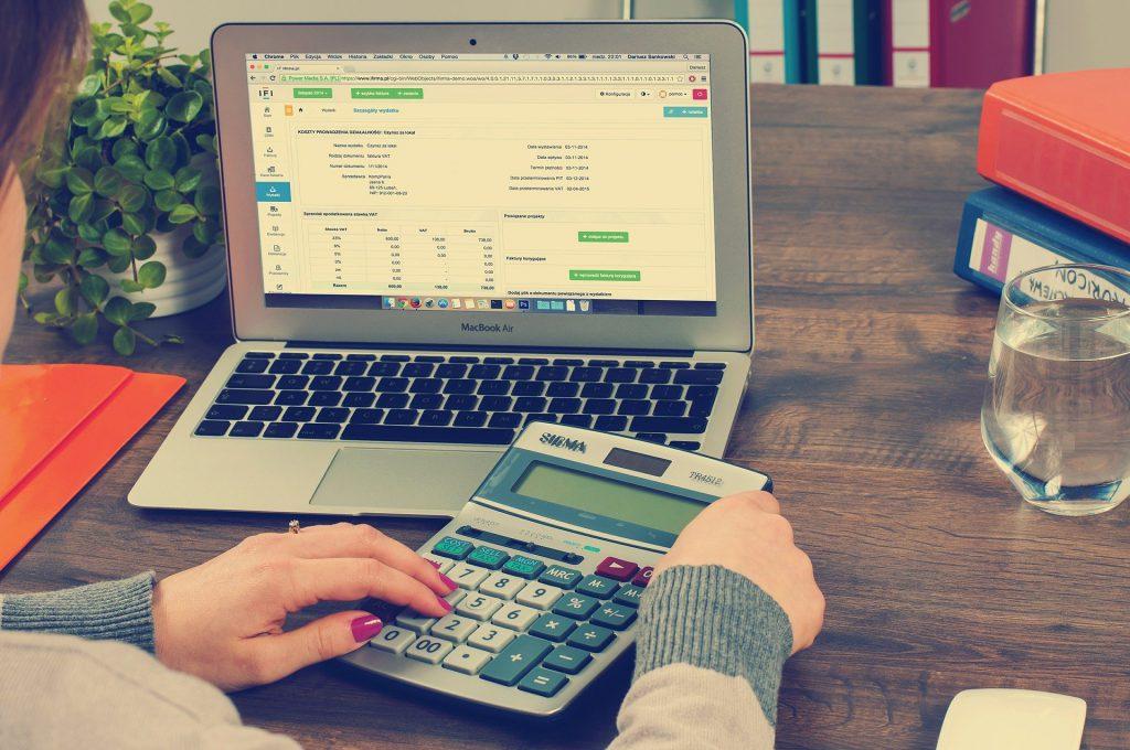 Ustal czy jesteś podatnikiem VAT.