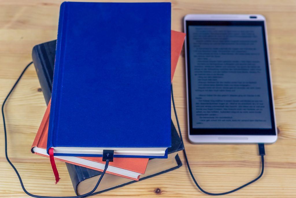 Jak sprawnie i legalnie napisać i sprzedać e-booka